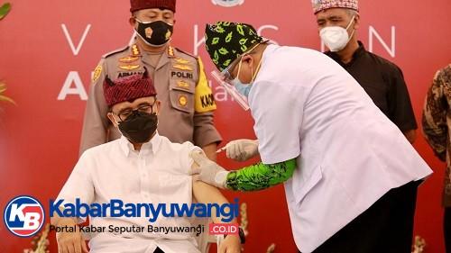 Vaksinasi Dimulai di Banyuwangi, Bupati sampai Tokoh Lintas Agama Divaksin Perdana