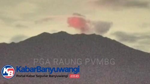 Cahaya Api Raung Terus Terjadi, Indikasi dari Letusan Strombolian Batu Pijar