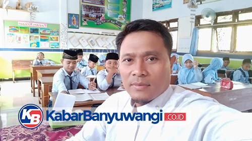 Arek Suroboyo Mengajar Bahasa Using Anak Nusantara di Ponpes Darussalam Blokagung