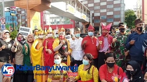 Jurnalis Senior Balikpapan Asal Banyuwangi, Usia 70 Bangga Mengenakan Kostum Gandrung