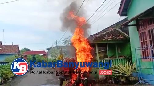 Motor Inventaris Desa Mangir Terbakar, Diduga Korsleting Listrik