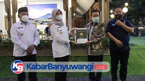 BPN Jatim Serahkan Sertifikat Aset Pemkab Banyuwangi